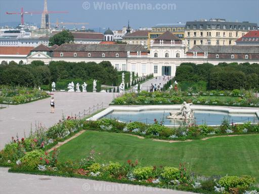 Belvedere Gardens: View towards Innere Stadt