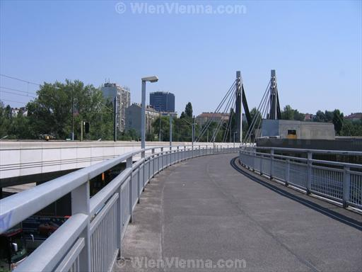 Donaukanal Pedestrian Bridge in Vienna Spittelau